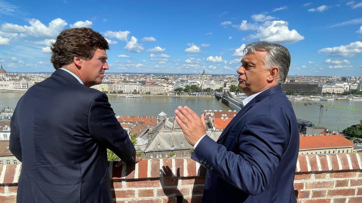 Orbán a dat lovitura / Tucker Carlson relatează pentru Fox News din Budapesta